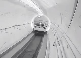 Илон Маск открыл уникальный скоростной туннель под Лос-Анджелесом