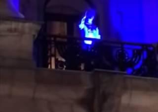 Николаевский подросток выкурил косяк прямо на балконе горсовета