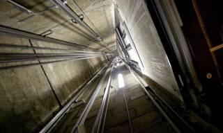В Одессе с 19-го этажа сорвался лифт с человеком внутри