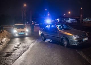 В Киеве копы устроили погоню за пьяным нарушителем – тот пошел на таран