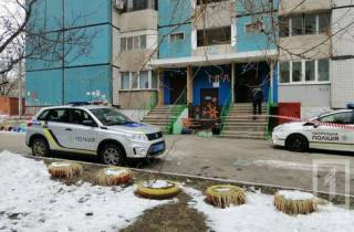 В Кривом Роге женщина с ребенком на руках выбросилась с десятого этажа