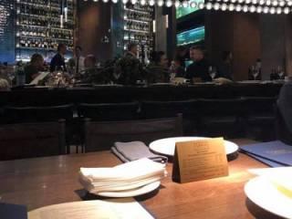 Порошенко «засекли» на дне рождения в элитном ресторане (18+)