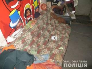 В Киеве дворничиха получила удар ножом в грудь. А все из-за женщины