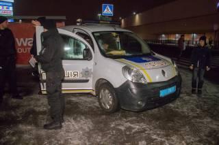 В Киеве магазинный вор порезал полицейского