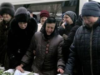 В Виннице похоронили убитых накануне Нового года женщин и детей (18+)