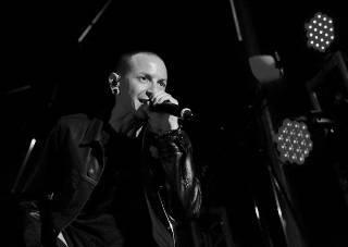 В сеть попал трек, записанный лидером Linkin Park незадолго до самоубийства