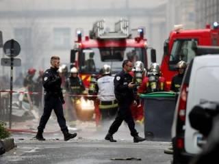 В Париже мощным взрывом «накрыло» десятки человек