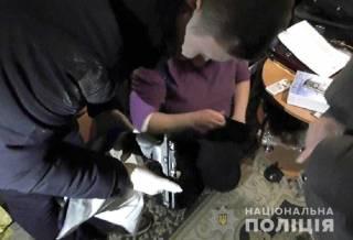 Полиция накрыла на Троещине сразу пять наркопритонов