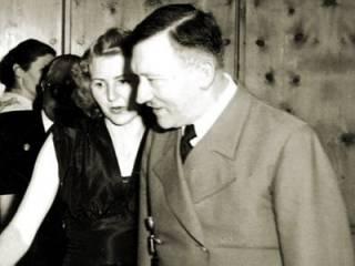 В сеть попали подробности странной интимной жизни Гитлера