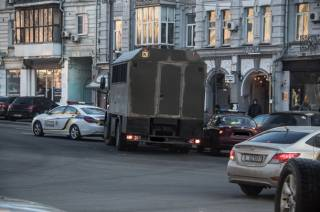 Ехавшие к Порошенко военные попали в ДТП в центре Киева