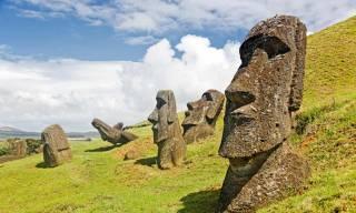 Кажется, ученым наконец удалось придумать разумное объяснение загадочным статуям на острове Пасхи
