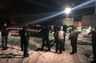 На нелегальном карьере в Киеве избили журналистов
