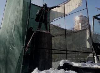 В Киеве снесли памятник Суворову – вместо него будет мемориальная доска Донцову