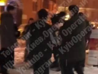 В центре Киева толпа чеченских малолеток жестоко избила прохожего