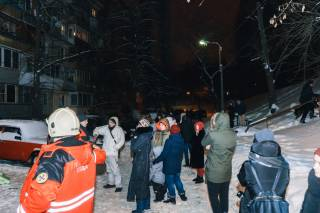 В Киеве горел многоэтажный дом: из огня спасли десятки людей