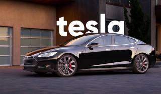 У Tesla проблемы: стало известно, сколько денег потеряла компания в прошлом году