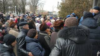Власть начала массовые атаки на оппозиционного кандидата