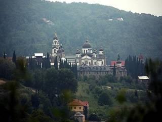 Семеро афонских монахов покинули монастырь Ватопед после визита епископа ПЦУ