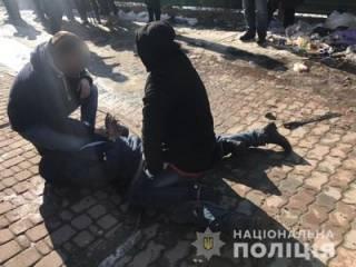 На Ивано-Франковщине полицейскому пытались отрубить голову при помощи мачете