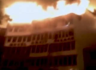 В одном из отелей в столице Индии заживо сгорели десятки людей – все члены одной большой семьи
