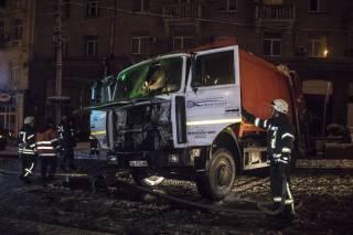 В Киеве полыхал мусоровоз