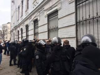 Полиция объявила подозрение активистам, штурмовавшим Подольское райуправление