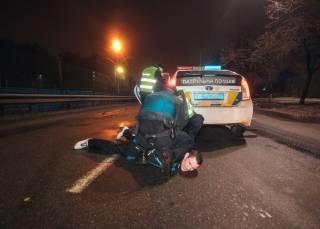 В Киеве неадекватный водитель хотел изнасиловать полицейских