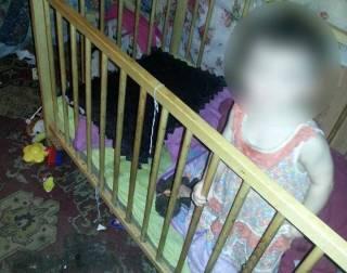 Харьковчанка устроила из квартиры ночлежку и забыла, что нужно кормить детей
