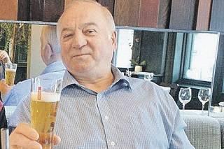 СМИ узнали об ухудшении состояния бывшего российского разведчика, отравленного в Солсбери