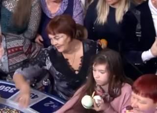 Давка за еду на «Поле Чудес» неприятно удивила соцсети