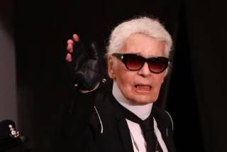 Легендарный модельер Карл Лагерфельд скончался после продолжительной болезни
