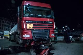 В Киеве произошло ДТП с бензовозом