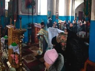 На Буковине пять общин УПЦ круглосуточно молятся о защите храмов
