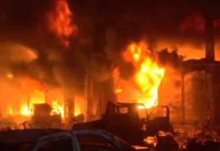 Жертвами взрыва газа в столице Бангладеш стали десятки людей