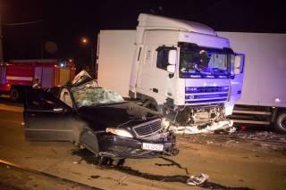 Ночью в Киеве произошло смертельное ДТП с фурой на молдавских номерах (18+)