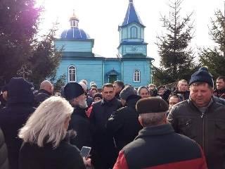 На Ровенщине чиновники инициировали инвентаризацию в церкви УПЦ в селе Курозваны, чтобы передать ее ПЦУ