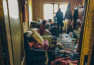 На окраине Киева бомжи едва не сожгли квартиру вместе со спящим хозяином