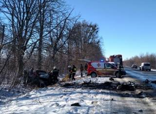 Жертвами кровавого ДТП в Ровенской области стали три человека (18+)