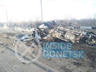 На Донбассе на мине подорвался микроавтобус с людьми
