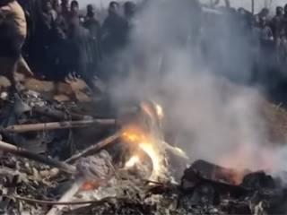 Пакистанцы сбили два военных самолета Индии и показали пленного пилота (18+)
