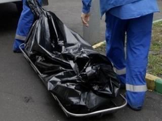 В Херсоне прямо возле школы лежала мертвая девушка
