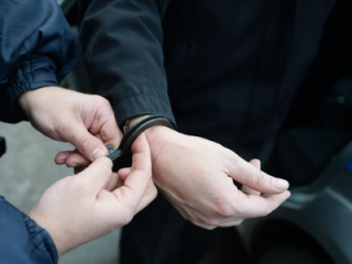 В Греции задержали россиянина, внесенного в базу «Миротворца»