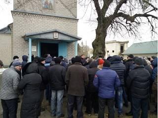 На Волыни под предлогом «перехода» в новую Церковь сторонники УПЦ КП захватили храм УПЦ