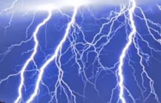 Аномальный шторм напугал весь Лос-Анджелес