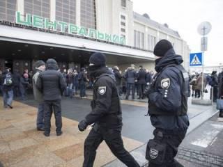 На Центральном вокзале Киева мужчина в буквальном смысле остался без головы