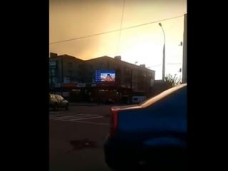 В центре Хмельницкого средь бела дня транслировали видео «для взрослых» (18+)