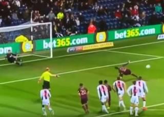 Игрок сборной Косова эпично промазал пенальти, став посмешищем для соцсетей