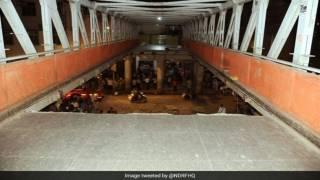 В Индии обвалился мост с людьми