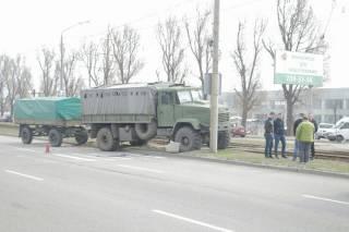 В Днепре произошло ДТП с военными