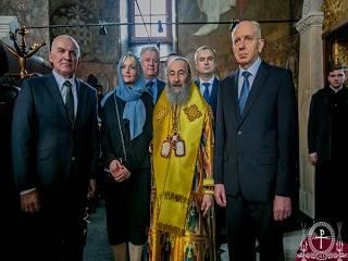 В Киево-Печерской лавре послы православных стран молились за литургией в день Торжества Православия